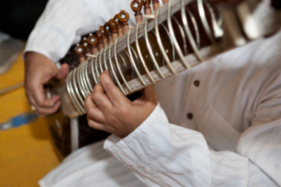 Natur'Yoga Pratiques & Bienfaits - Nada Yoga - Instrument musique indienne